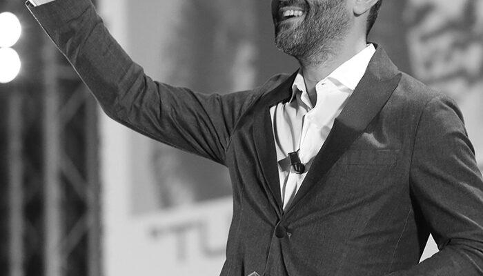 Focalizzare l'obiettivo, ma soprattutto i passi per raggiungerlo. Essere un leader significa anche essere capace di rimproverare, ma l'azienda procede più spedita se i valori sono chiari e condivisi da tutti. - Christian Pagliarani